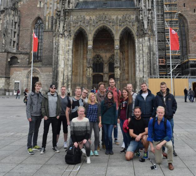 Gruppfoto framför Ulm-Münster